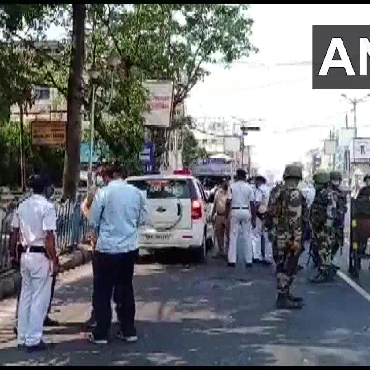 West Bengal polls: Bomb hurled in north Kolkata, EC seeks report