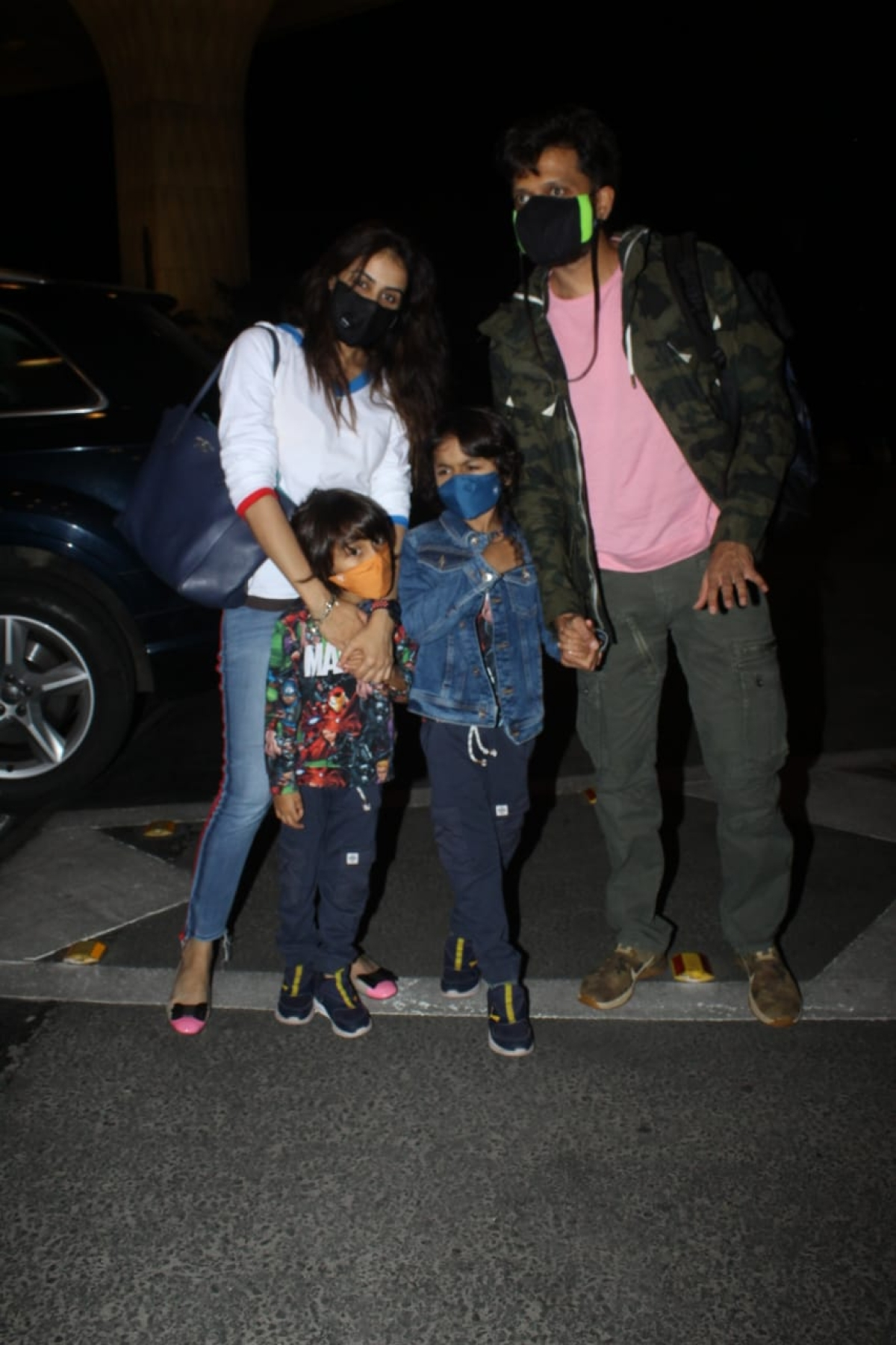 Riteish and Genelia with kids