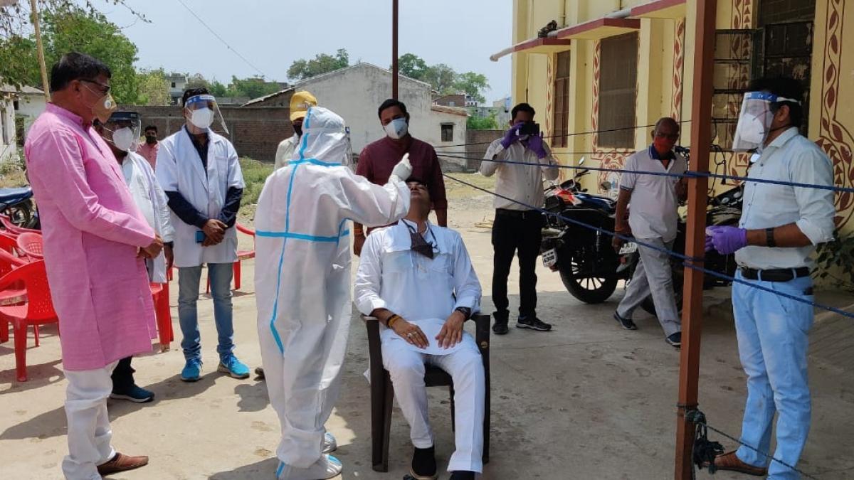 Madhya Pradesh: Health of 70 people checked at PHC in Kanwan