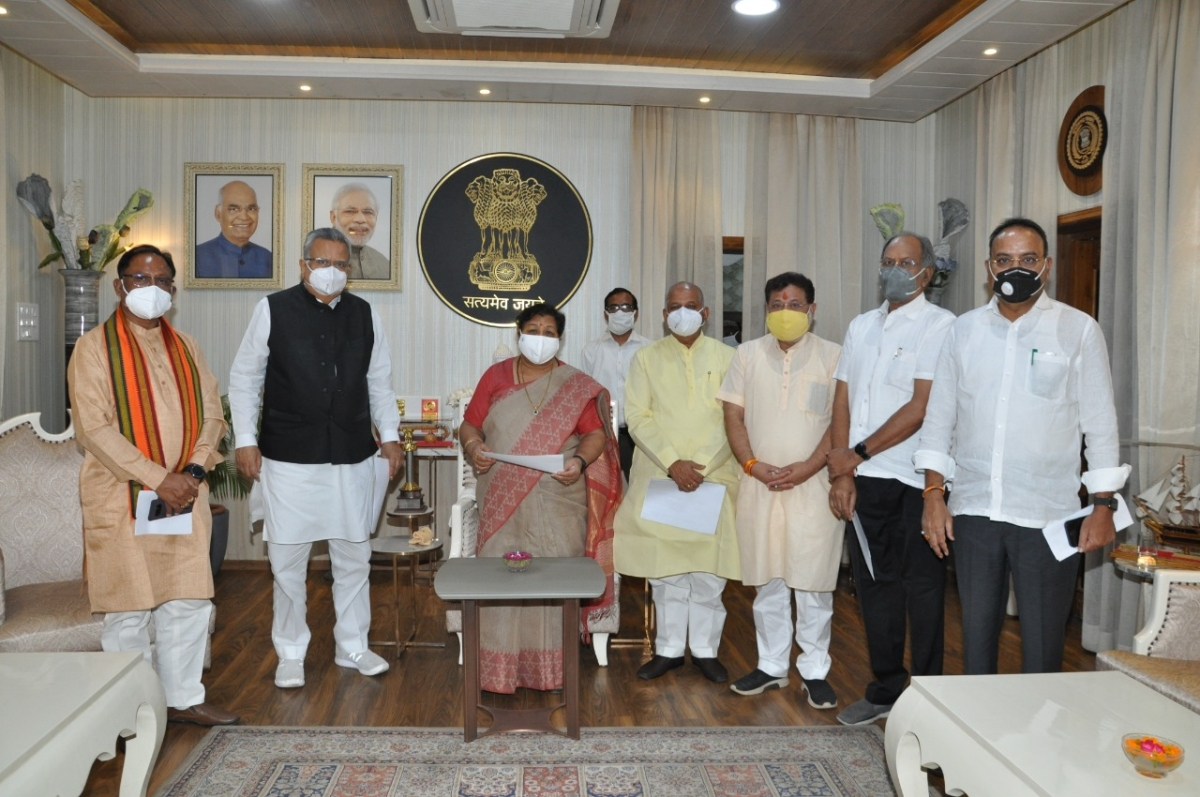 COVID-19 in Chhattisgarh: Junior Doctors Association announces strike; BJP delegation meets Governor