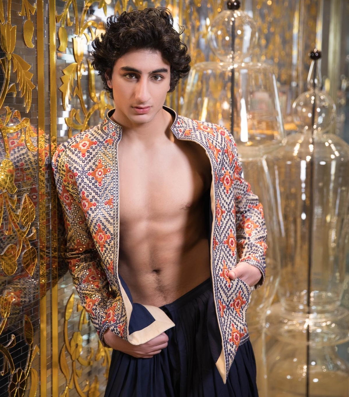 '21st Century Boy' Ibrahim Ali Khan flaunts his abs in traditional jacket - check out pic