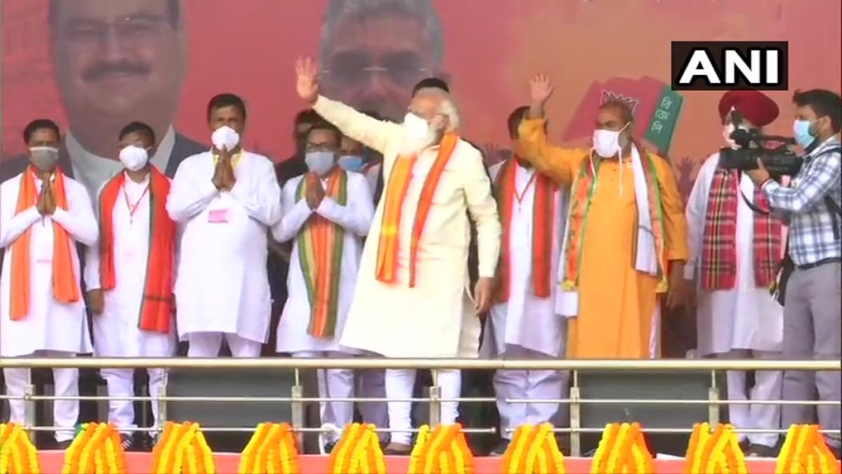 'Didi o didi...': PM Modi hits out at Mamata Banerjee amid polls; says people of Bengal want 'asol poribartan'