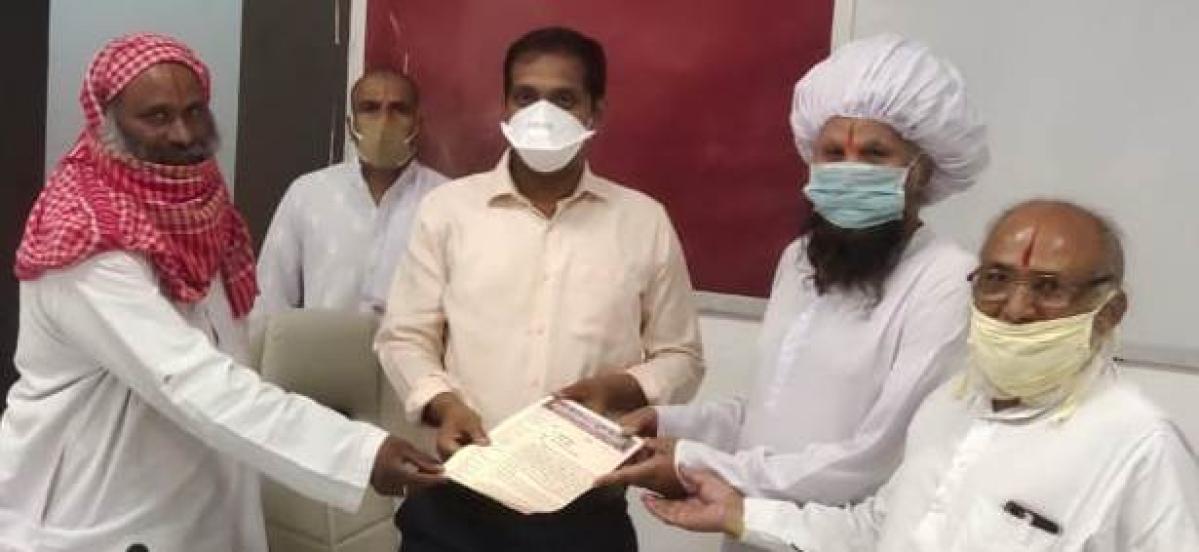 Ujjain: Administration should free Simhastha Fair land of enchorachments, demand saints