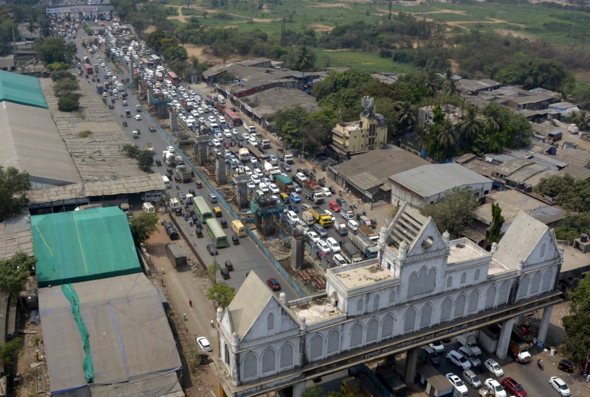 COVID-19 in Mumbai: Traffic snarls continue at city entry points