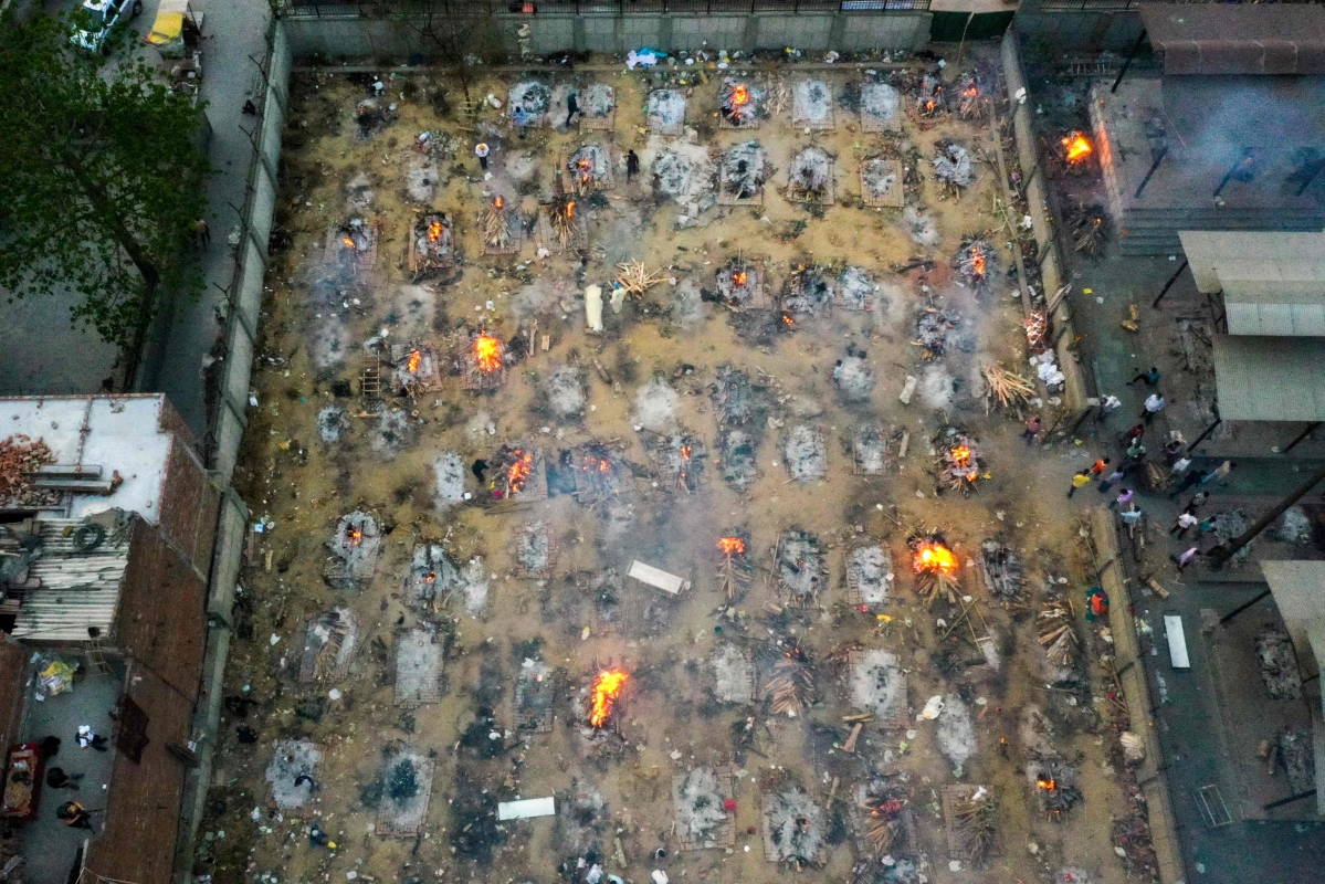 COVID-19 Crisis: Cremation grounds run out of space in Delhi