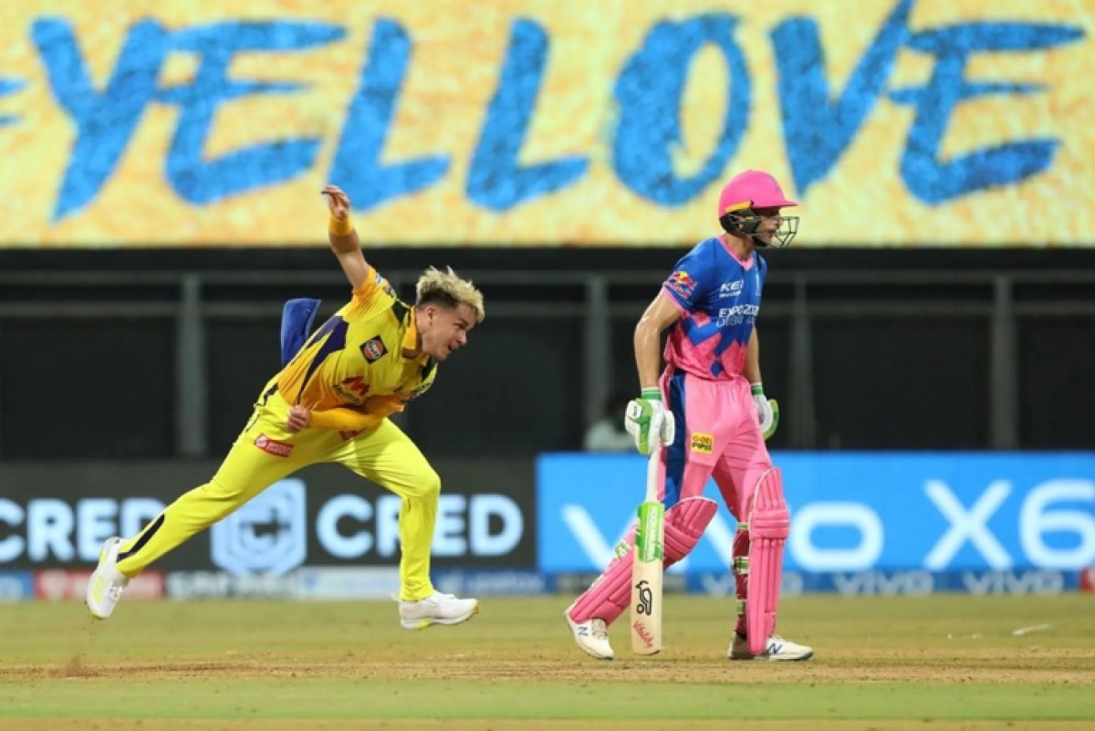 Sam Curran of Chennai Super Kings deliver ball Sam Curran of Chennai Super Kings during match 12 of the Vivo Indian Premier League 2021 between the Chennai Super Kings and the Rajasthan Royals held at the Wankhede Stadium Mumbai on the 19th April 2021.
