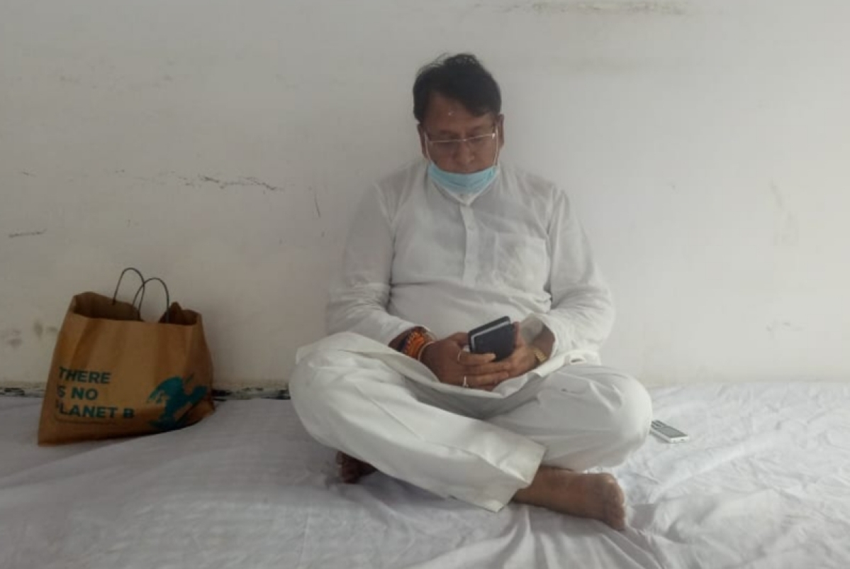 Congress MLA PC Sharma stages sit-in at his residence over the shortage of Remdesivir and oxygen in hospitals.
