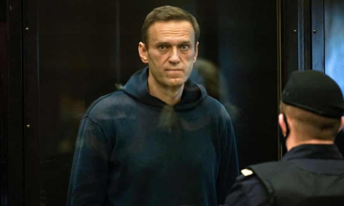 Hunger-striking Alexei Navalny to go to prison hospital