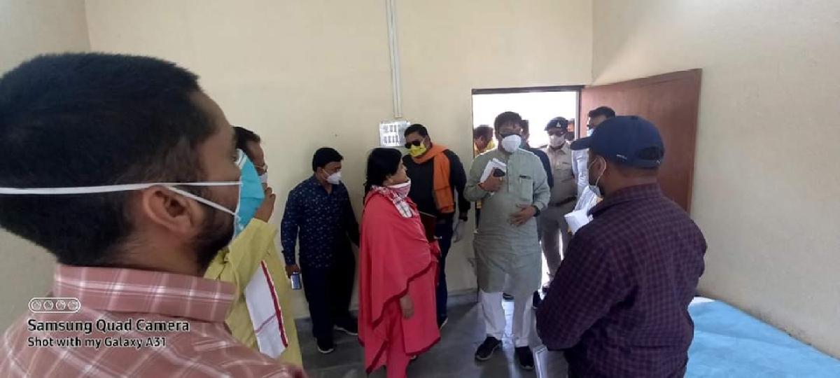 Usha Thakur at Covid Care Centre