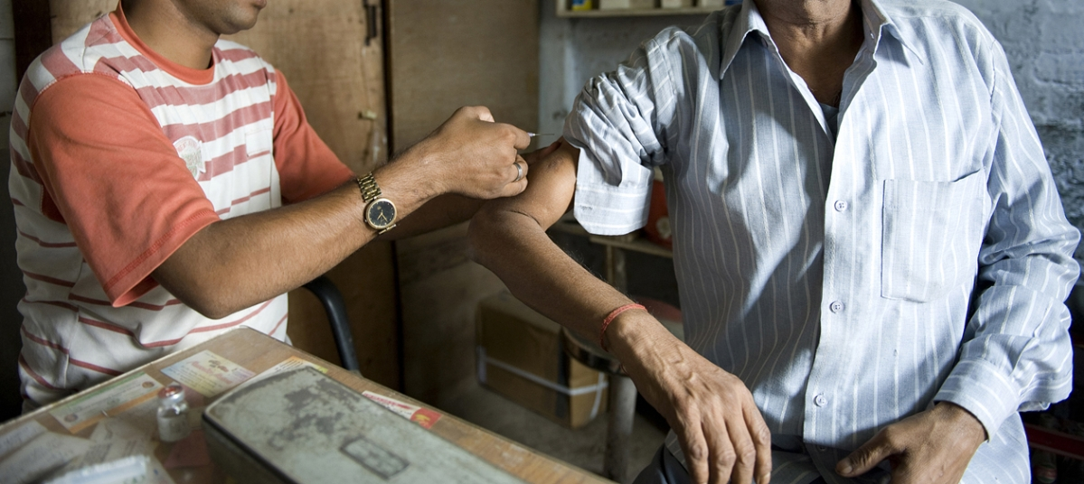Bhopal: Quacks take full advantage of Covid situation, mint money
