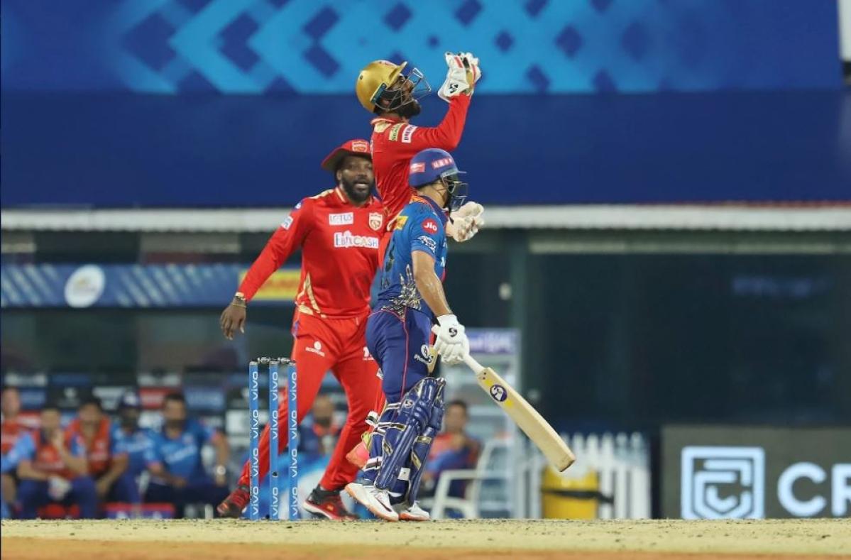 KL Rahul Captain of Punjab Kings takes the catch to dismiss Ishan Kishan of Mumbai Indians