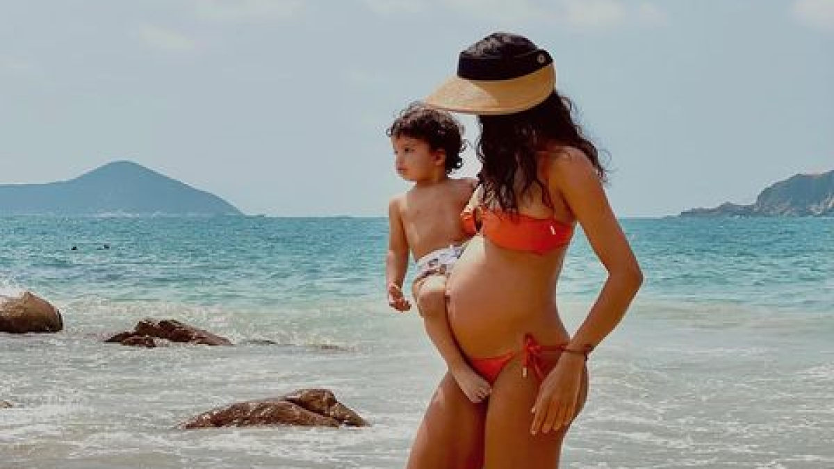 Mom-to-be Lisa Haydon 'nervous about another baby coming along'; shares pic with son Leo