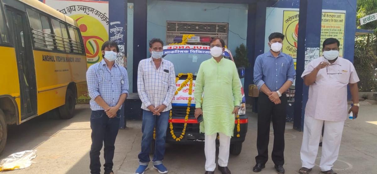 Madhya Pradesh: Family in Jobat donates an Ambulance, 10 steam-machines for Community Health Centre