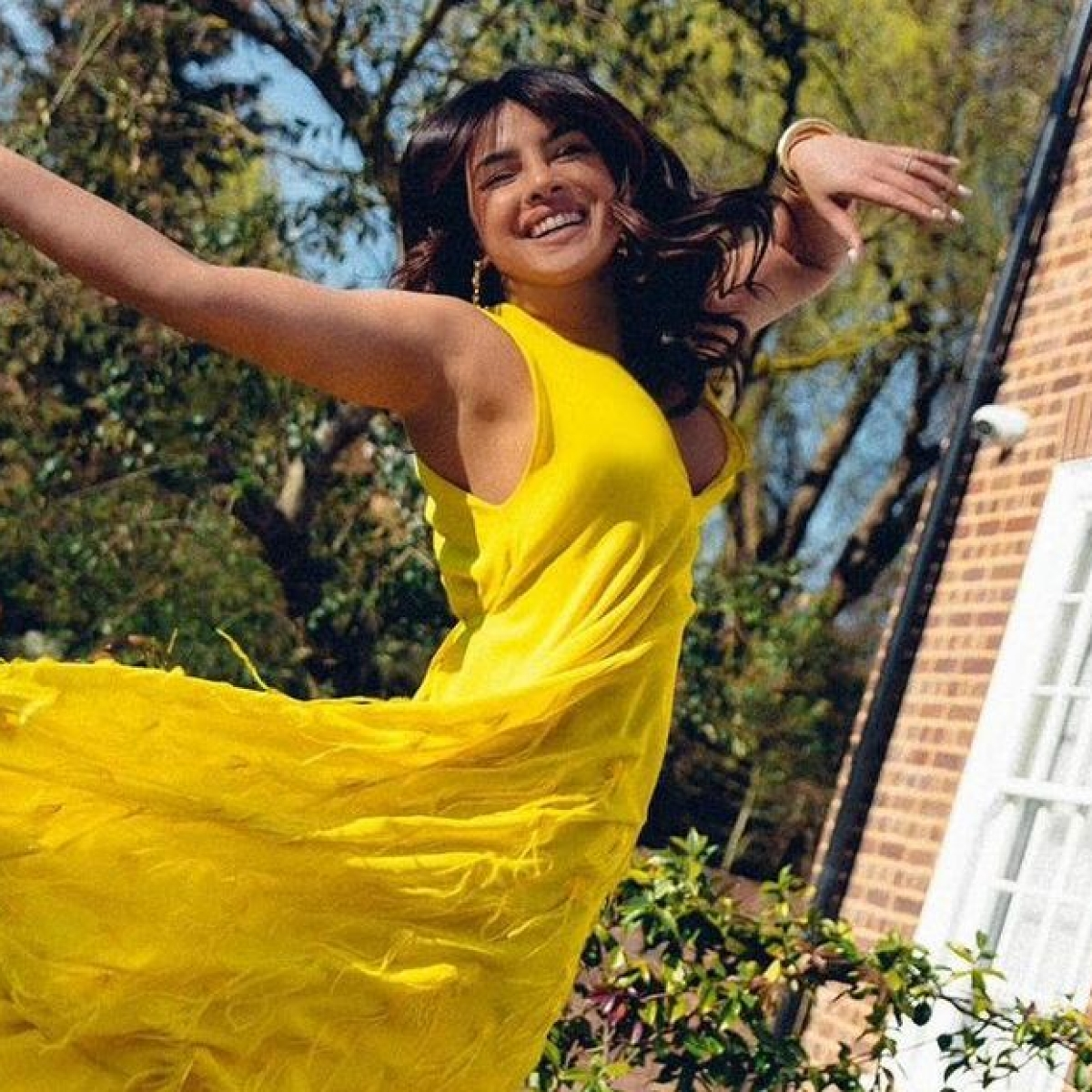 Priyanka Chopra wears Rs 4.4 lakh maxi dress to enjoy some sunshine in London