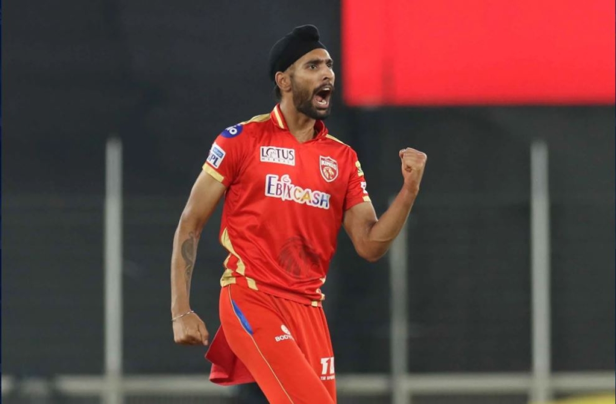 Harpreet Brar of Punjab Kings celebrates the wicket of Glenn Maxwell of Royal Challengers Bangalore during match 26 of the Vivo Indian Premier League 2021 between the Punjab Kings and the Royal Challengers Bangalore held at the Narendra Modi Stadium, Ahmedabad on the 30th April 2021.