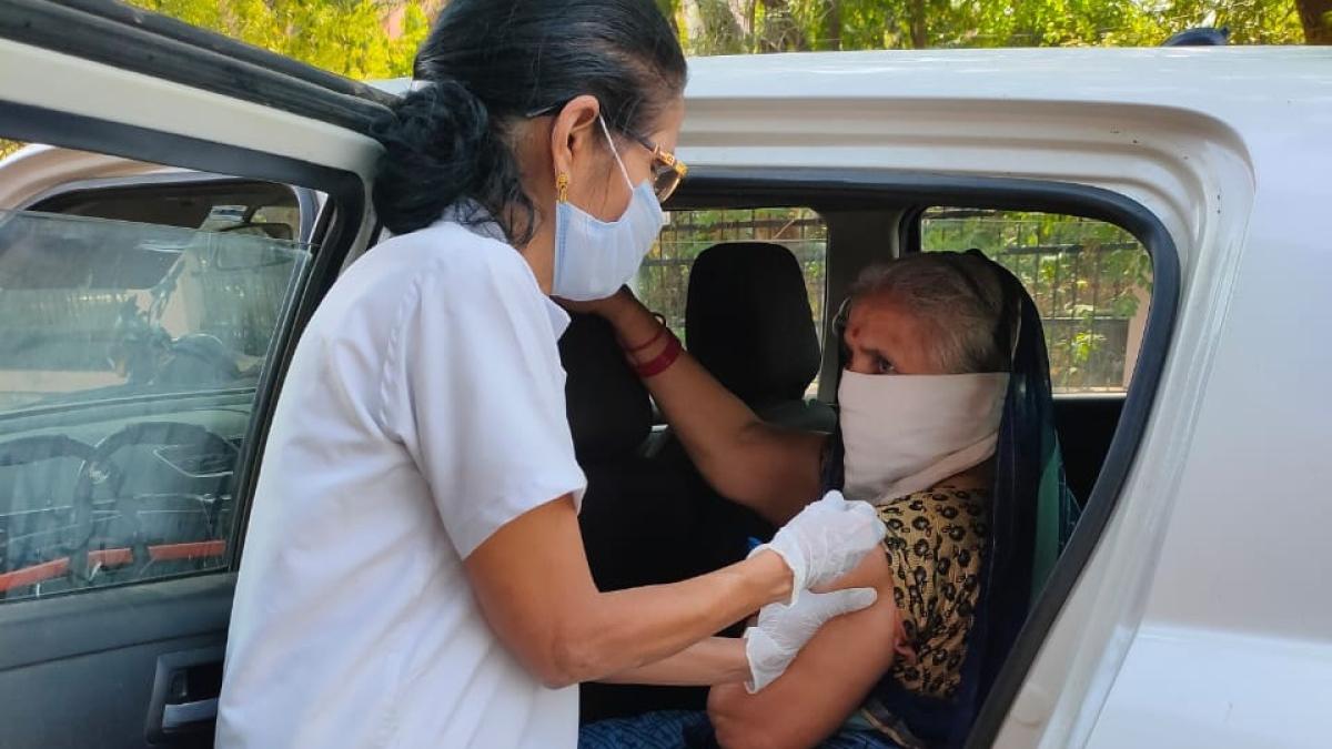 C-vaccination in Madhya Pradesh: 989 people get the jab in Barwani