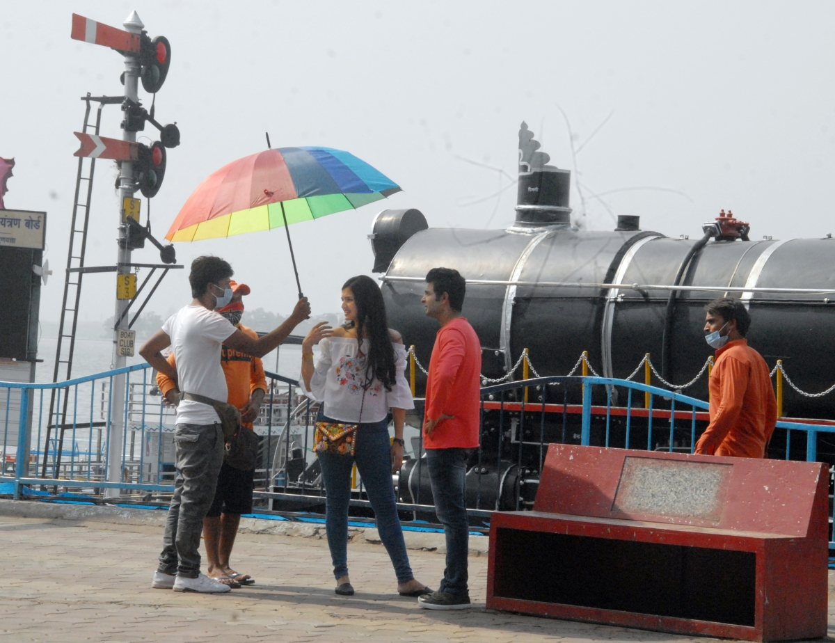 Artistes during the shooting of a movie at Boat Club Bhopal.
