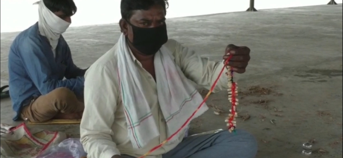 Tribal shows rosary