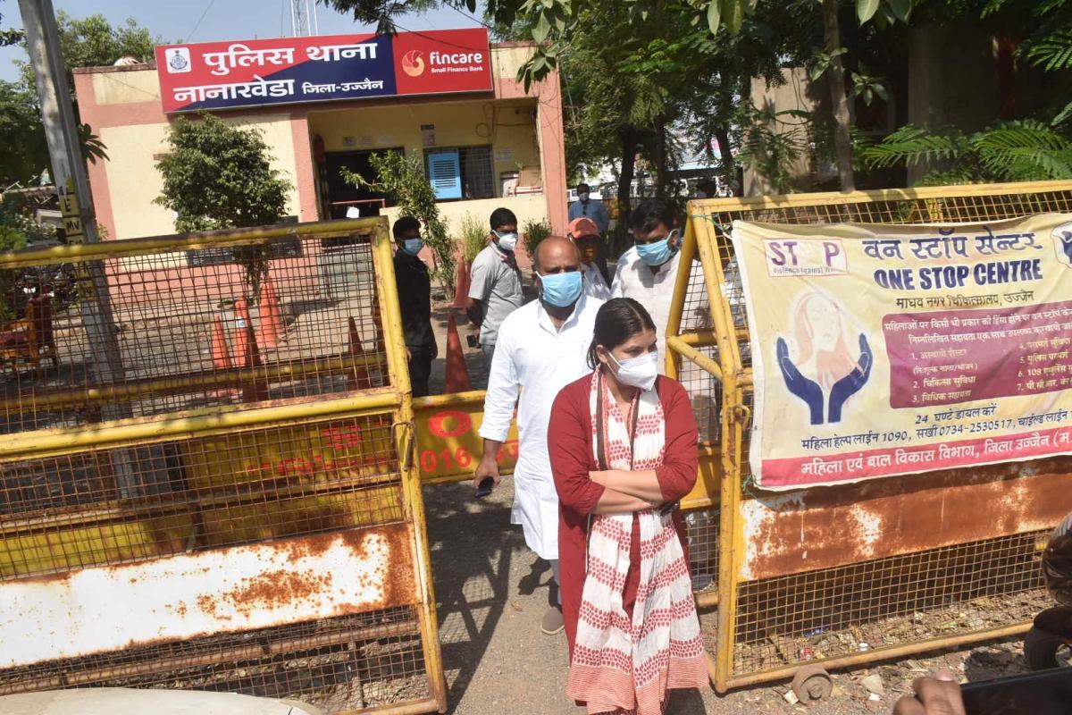 Congress spokesperson Noorie Khan walks out of Police Station
