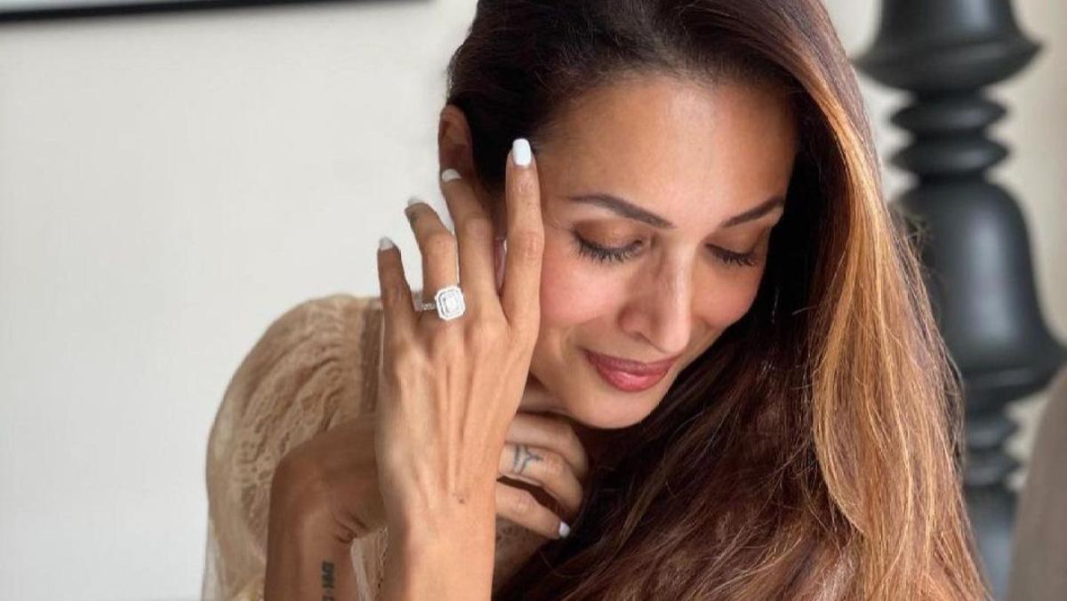 Malaika Arora's enormous diamond ring sparks engagement rumours with Arjun Kapoor