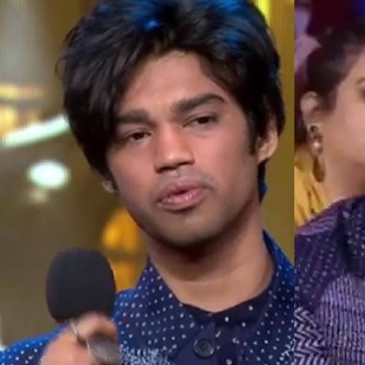 Watch: Irrfan Khan's son Babil breaks down on stage while accepting Filmfare  award on dad's behalf