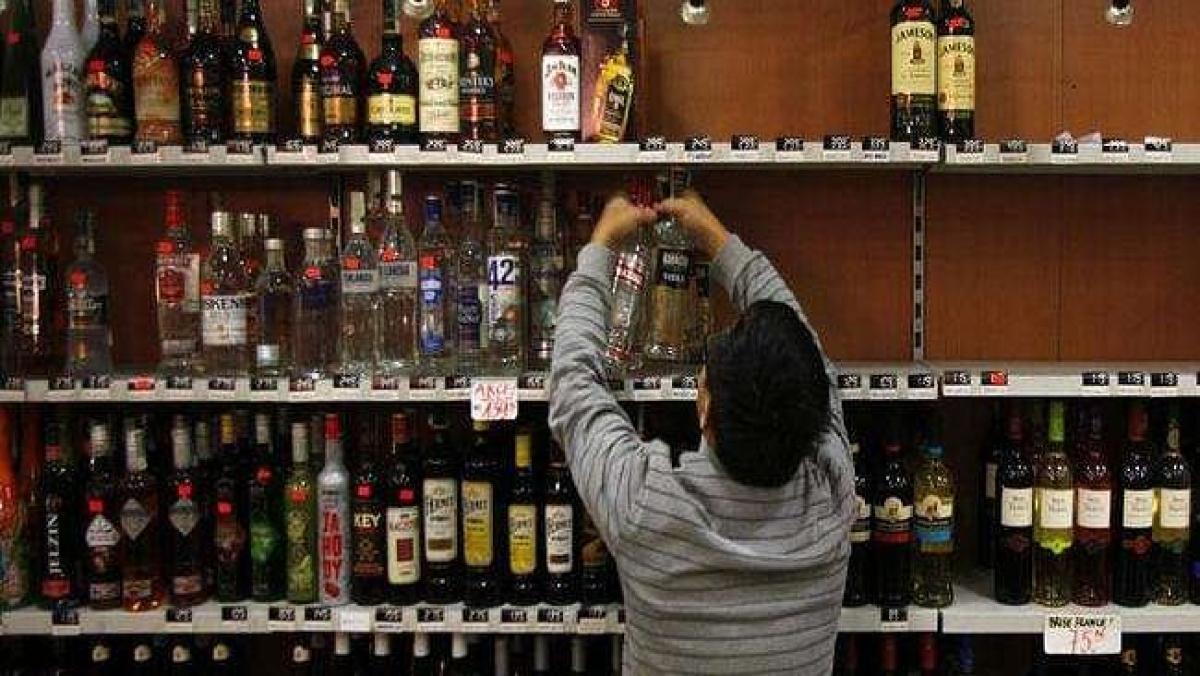 Mumbai: BMC allows home delivery of liquor between 7 am & 8 pm