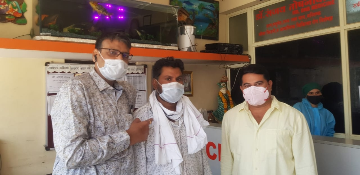 Madhya Pradesh: Man recovers after receiving 85% infection in lungs with coronavirus in Sanawad