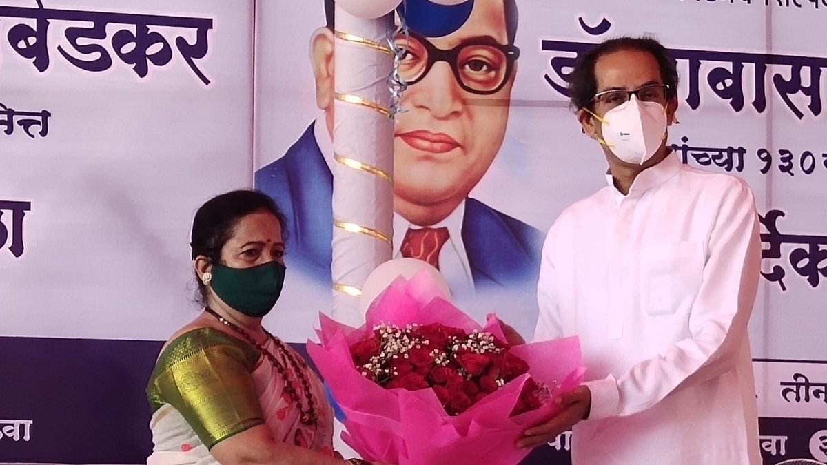 Ambedkar Jayanti 2021: Maharashtra CM Uddhav Thackeray, Mumbai mayor pay floral tributes to Babasaheb