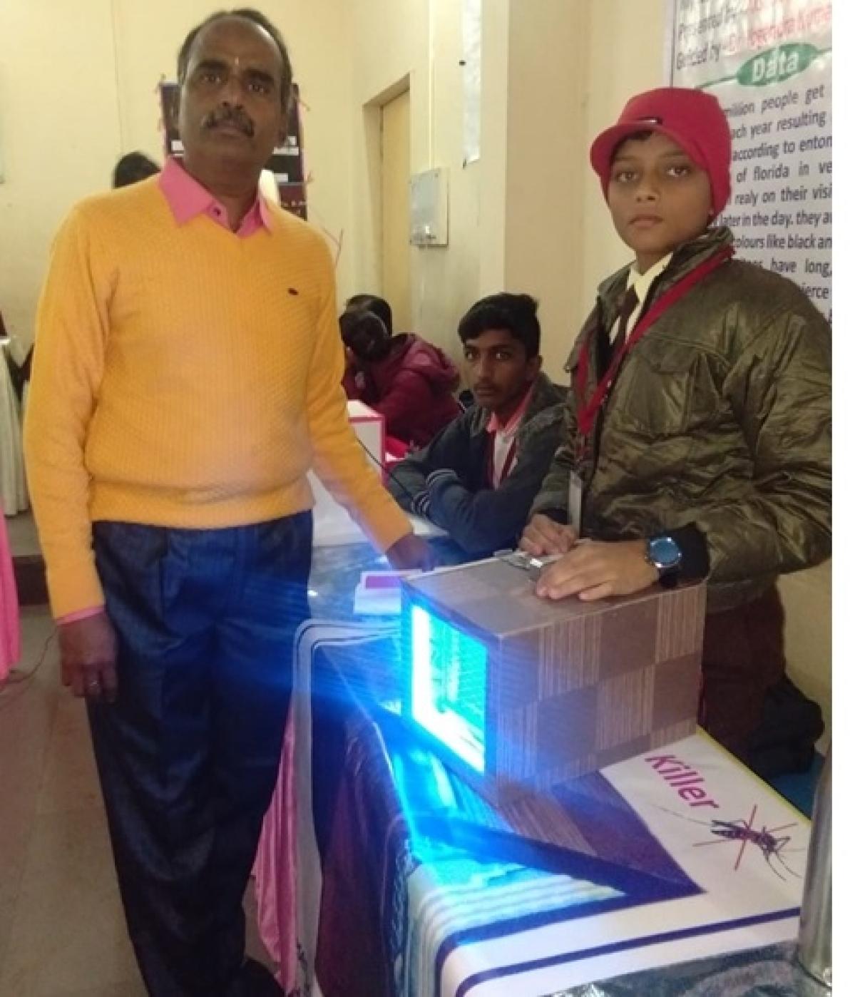 Child scientist Aksha Joshi along with his model and mentor Dr YK Kothari