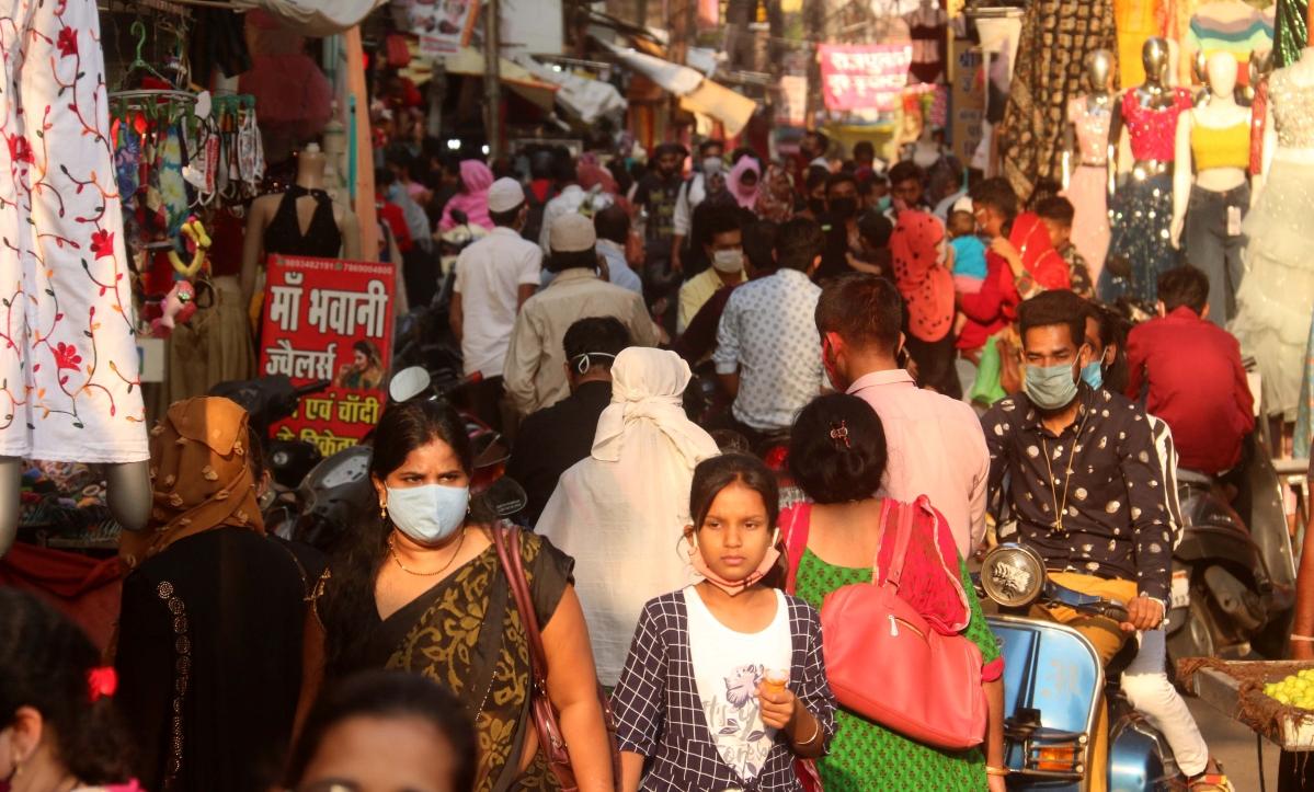 Heavy rush of people in Chowk Bazaar, Bhopal before lockdown (Representative Photo)