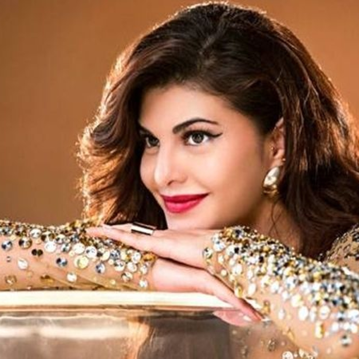 Jacqueline Fernandez posts heartwarming shout out to kids, applauds their discipline amid COVID-19