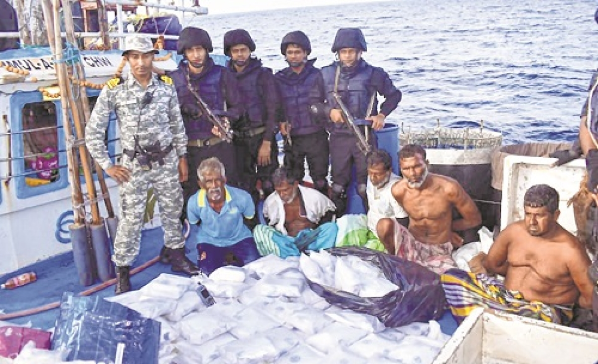 Navy seizes Rs 3,000 cr drugs from boat originating from Pakistan