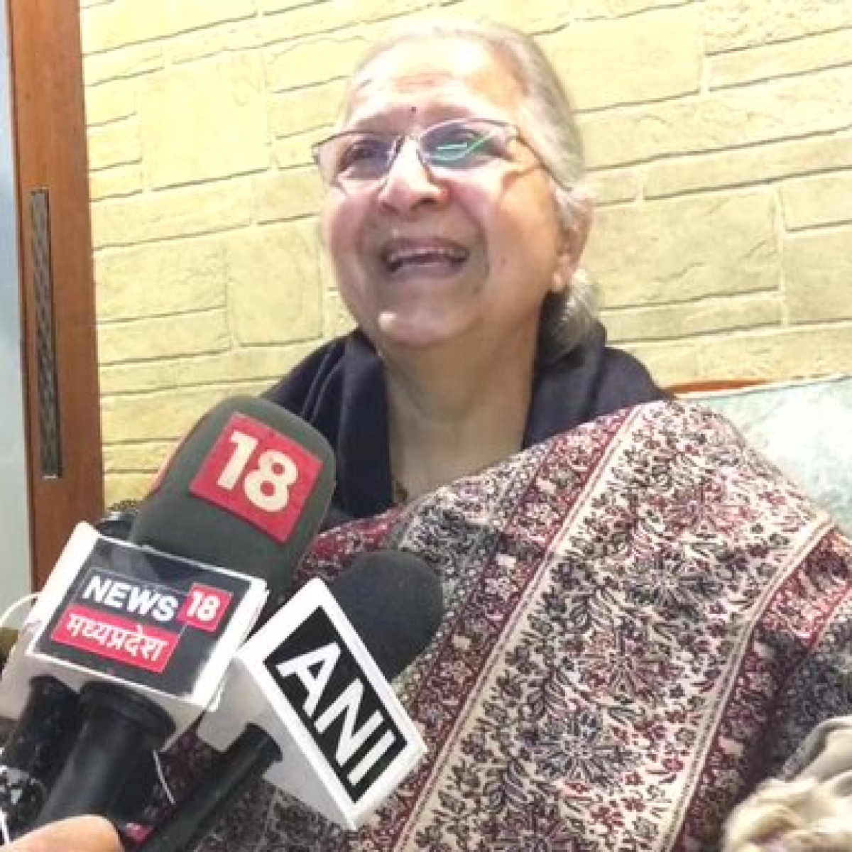 'What was the urgency?': Sumitra Mahajan slams Shashi Tharoor for sharing news of her demise without confirmation