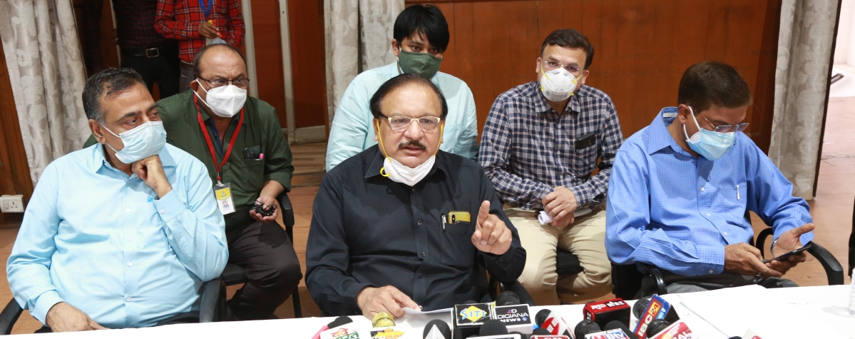 Dr Vinod Bhandari addressing press conference