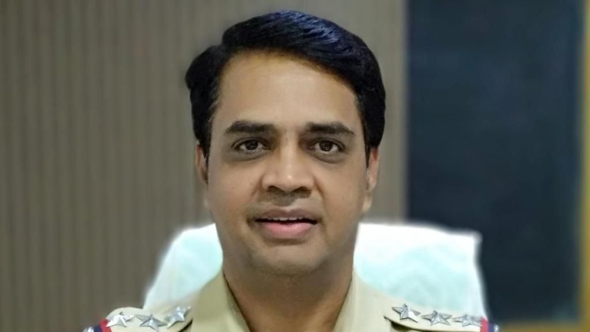 Antilia bomb scare case: Mumbai Police suspends Inspector Sunil Mane who was arrested by NIA yesterday