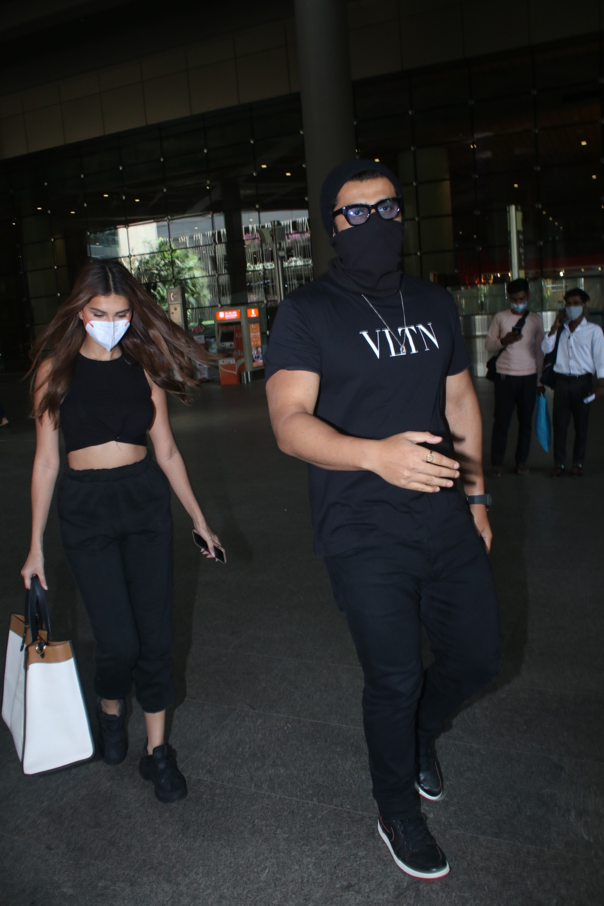 'This isn't essential': Netizens lash out at paparazzi for 'running after' Bollywood celebs amid COVID-19 crisis