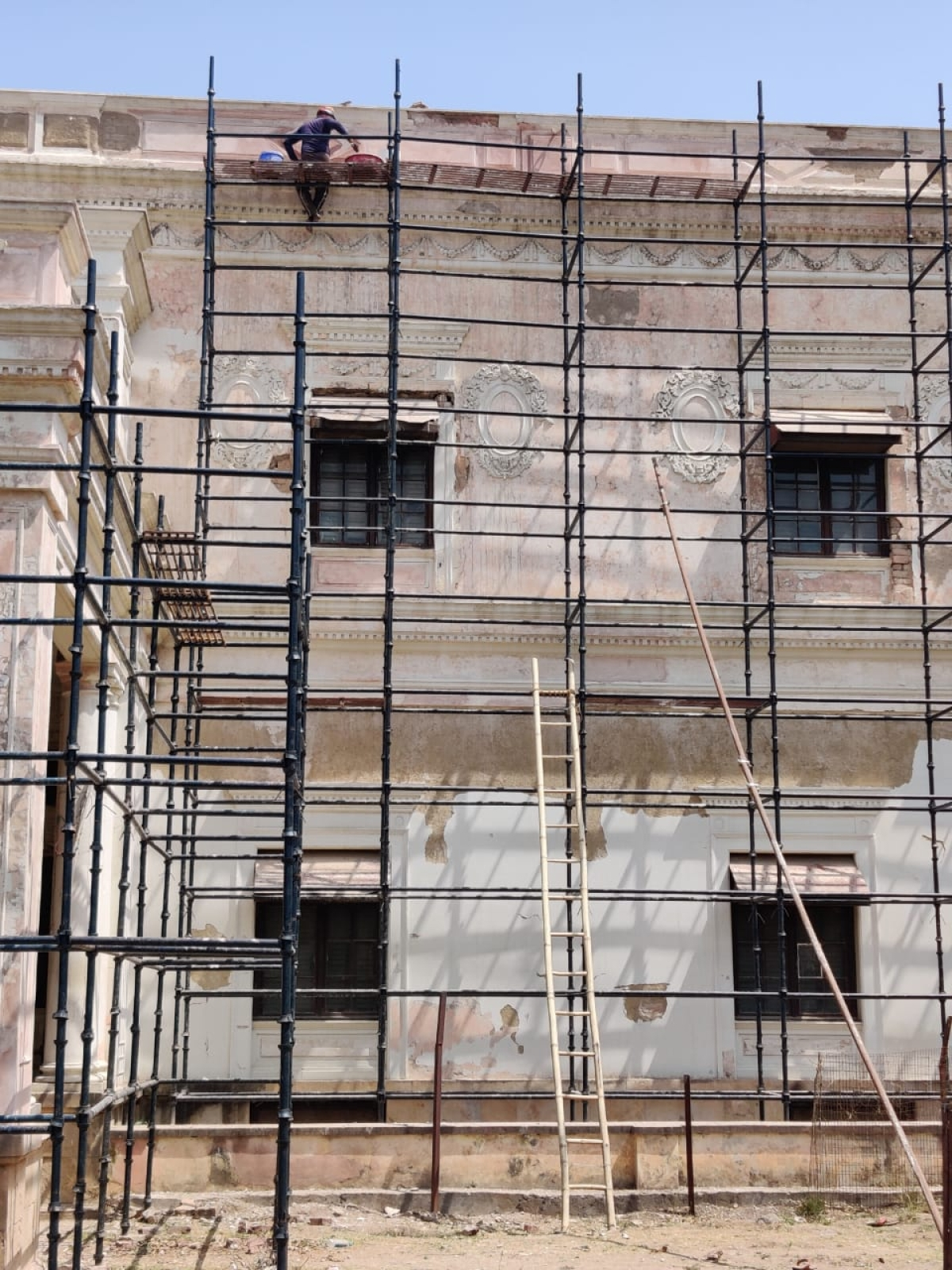 The reconstruction work at Lalbagh Palace, Indore, has come to a stop.