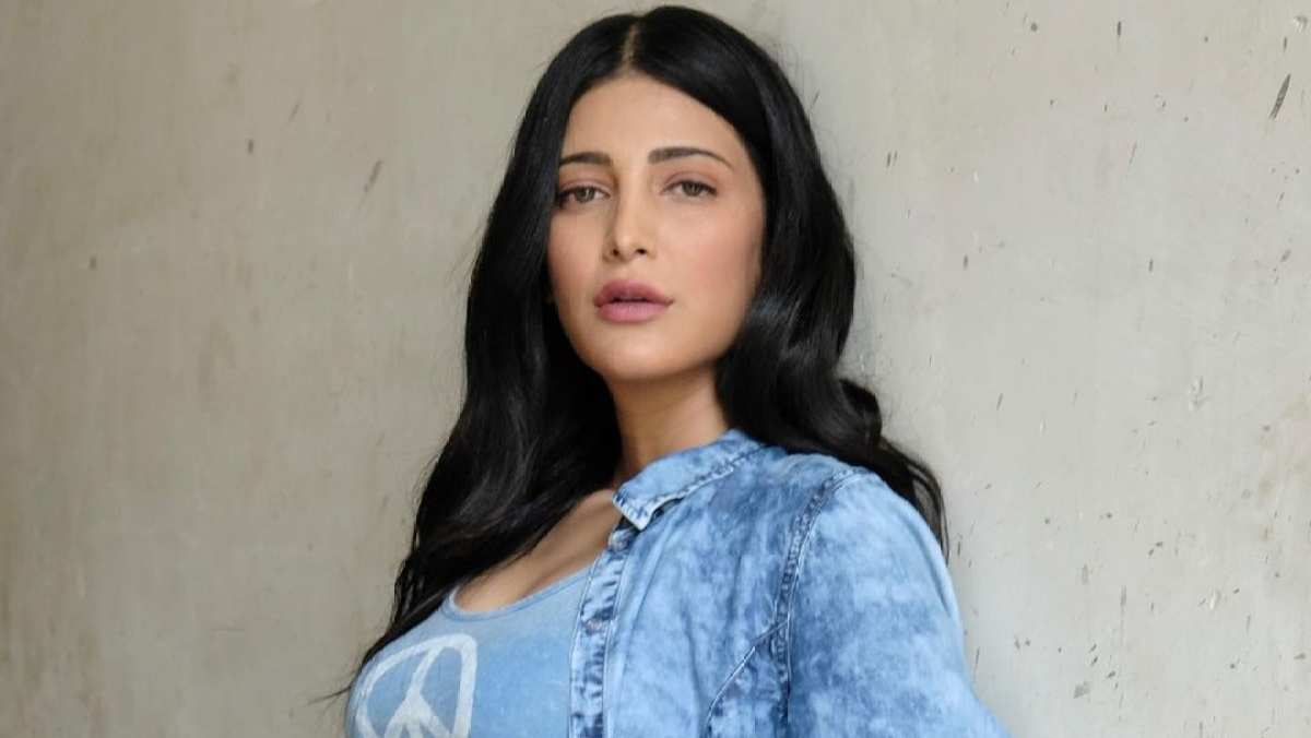 'Throwing your privileges in people's faces': Shruti Haasan slams celebrities holidaying amid COVID-19 pandemic