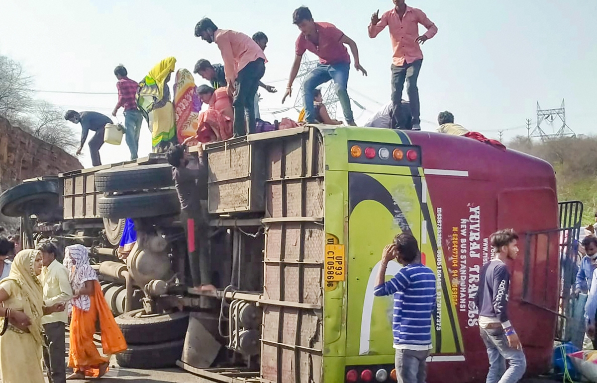Gwalior: 2 migrant workers killed, 8 injured as packed bus overturns