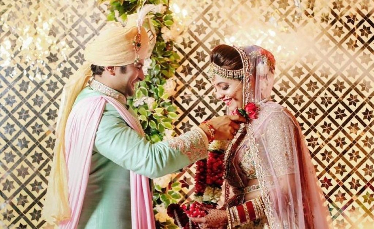 Newlyweds Sugandha Mishra and Sanket Bhosale share picture of 'varmala' ceremony