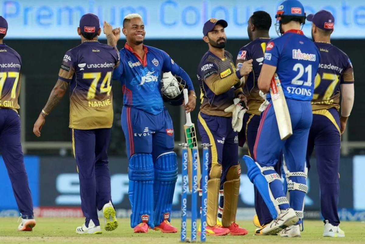 Shimron Hetmyer of Delhi Capitals and Marcus Stoinis of Delhi Capitals shake hands after DC win the match during match 25 of the Vivo Indian Premier League 2021 between the Delhi Capitals and the Kolkata Knight Riders held at the Narendra Modi Stadium, Ahmedabad