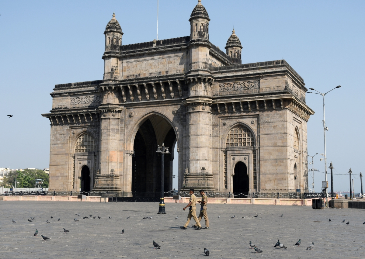 Two Mumbai Police personnel succumb to COVID-19; toll at 113