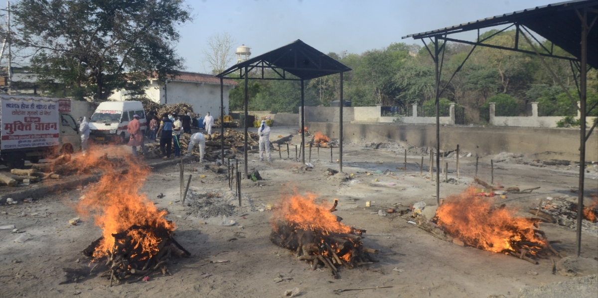 Covid patients' bodies being cremated at the Bhadbhada crematorium on Tuesday.