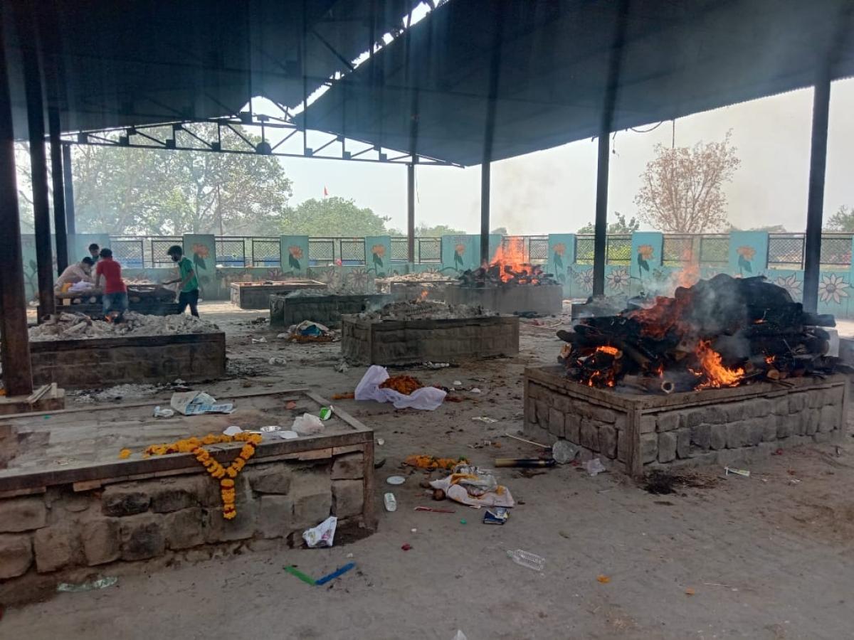 Ujjain: Corona kaal; electric furnace succumbs to pace of death