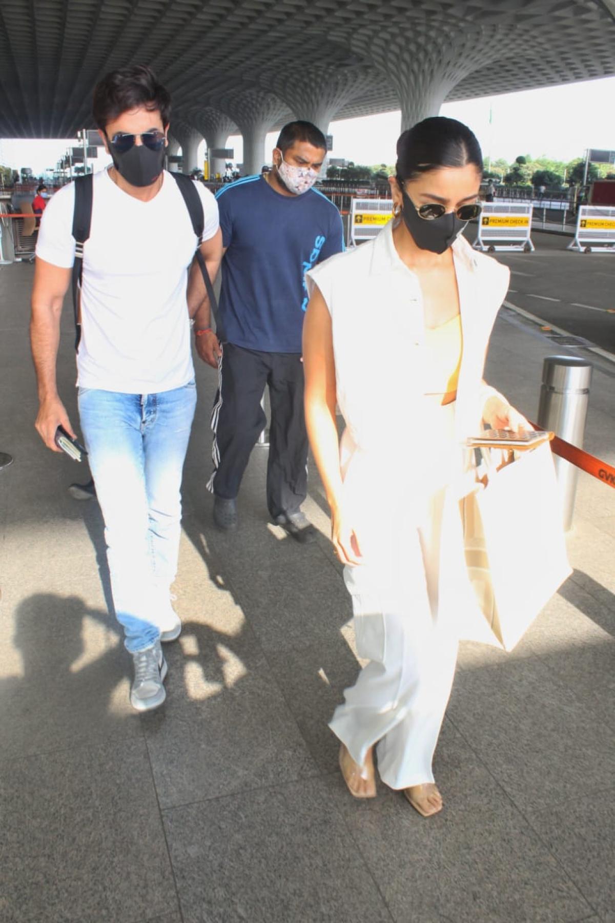 In Pics: Post COVID-19 recovery, Ranbir Kapoor and Alia Bhatt leave for Maldives amid Mumbai lockdown