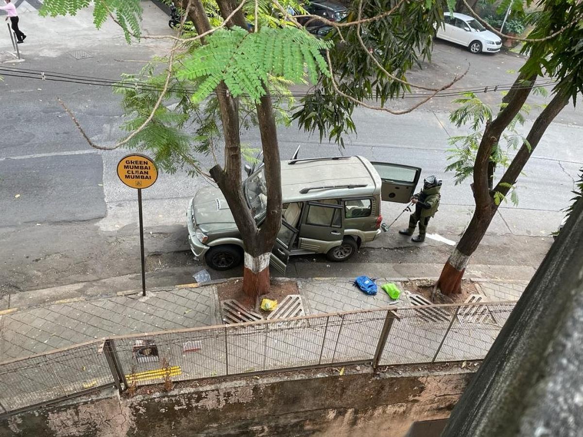 Mumbai: NIA arrests Mumbai cop Kazi in Antilia bomb scare case