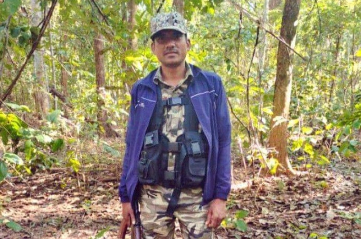 Chhattisgarh: Abducted ASI's body found in jungle, Naxals leave letter stating reason of his death