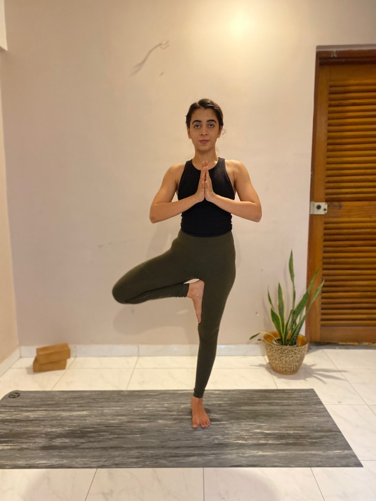 How to de-stress yourself with yoga after a hectic day