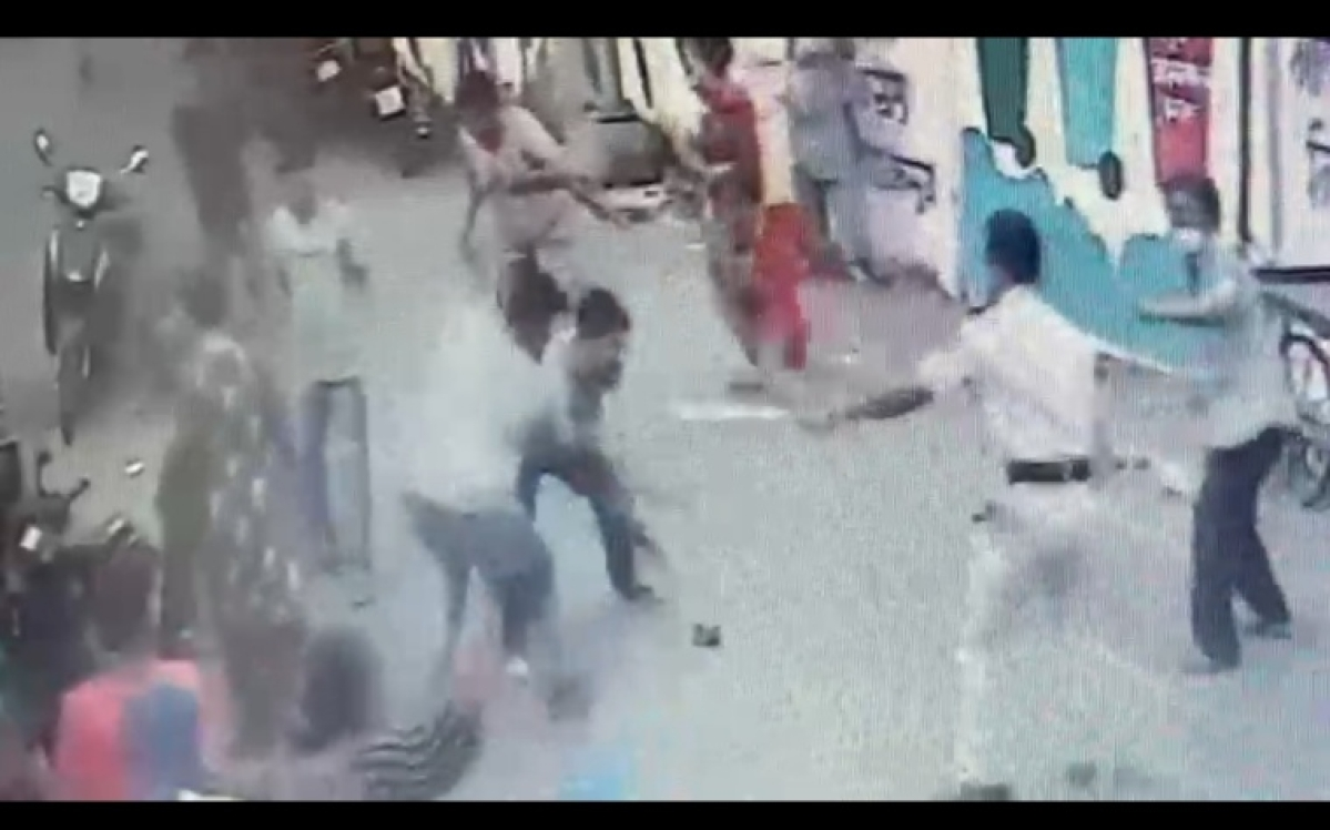 Kalyan: Brutal clash takes place between two local groups, 15 held