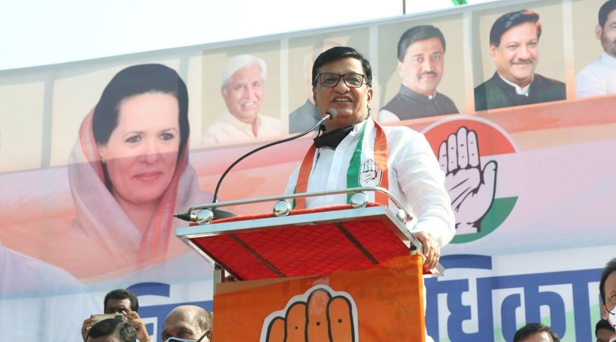 Thorat urges Maharashtra CM to remove shortcomings in corona management